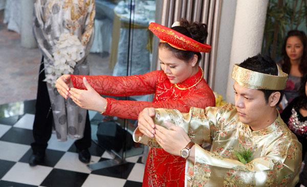 phong tục cưới hỏi truyền thống của người việt nam