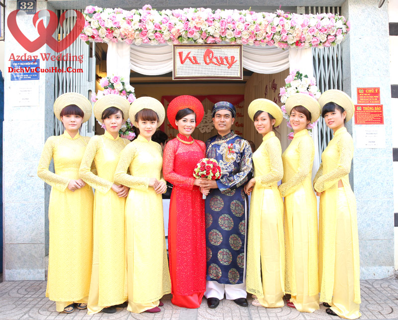 doi-bung-qua-cho-thue-voi-ao-dai-tong-vang-va-co-dau-chu-re-co-dau-ao-dai-do-chu-re-ao-dai-xanh