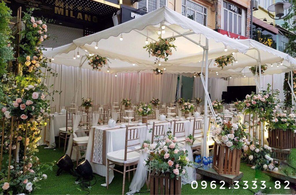 khung sắt cổng hoa cưới