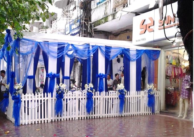 Nhà bạt đám cưới xanh đậm