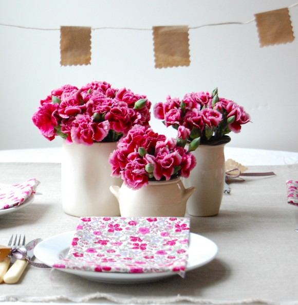 hoa cho ban tiec cuoi