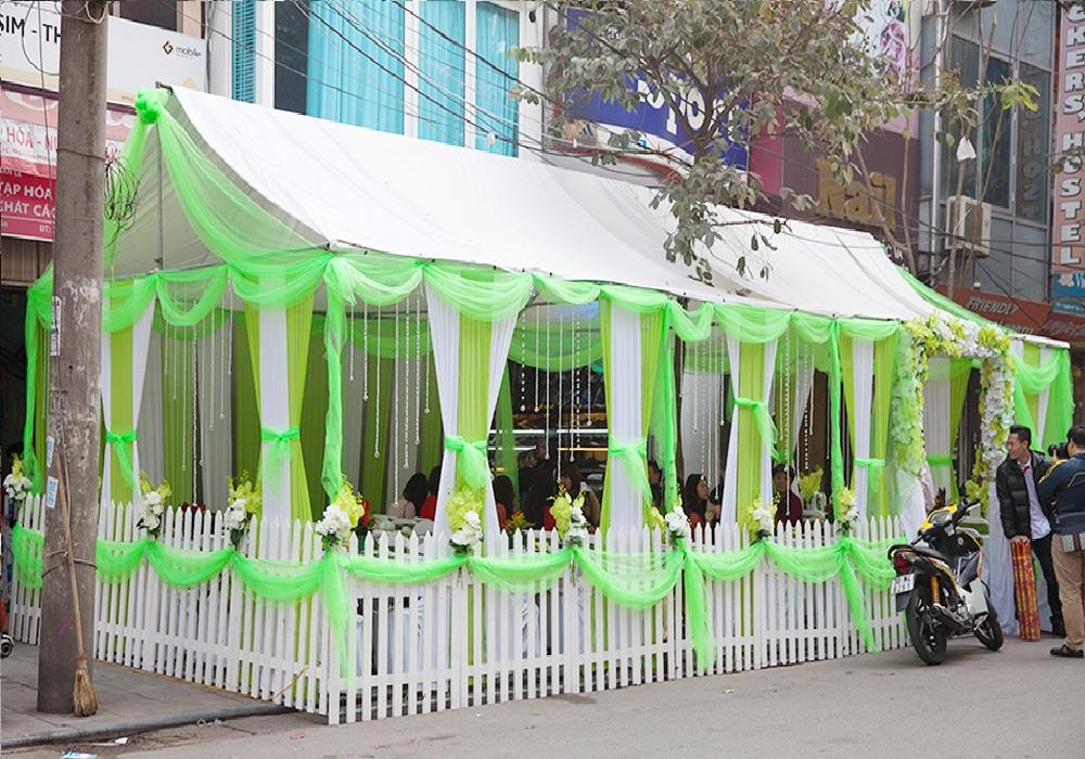 Nhà bạt trắng xanh - Trang trí pha lê - hàng rào Hàn quốc